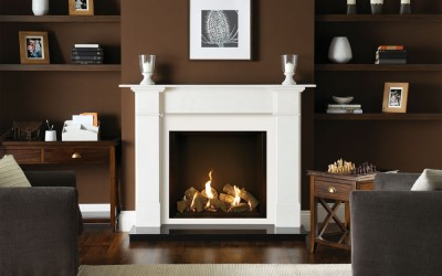 Gazco Riva2 750HL Edge gas fire with Black Reeded Lining. Shown with Claremont Limestone mantel