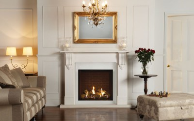 Gazco Riva2 750HL Edge with Black Reeded Lining. Shown with Victorial Corbel Mantel